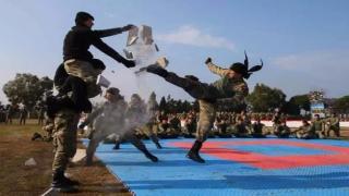 Jandarma Komandolar Nasıl Yetiştiriliyor ? İşte Kahramanlar Yuvası Foça Jandarma Komando Okulu !